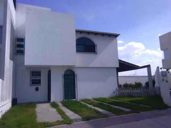 Oportunidad De Venta De Hermosa Casa Muy Amplia En El Fraccionamiento Mirador Con Gran Jardin