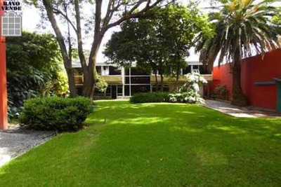 (crm-5206-57) Artistica Residencia En Venta O Renta A Dos Cuadras Del Centro De Coyoacan