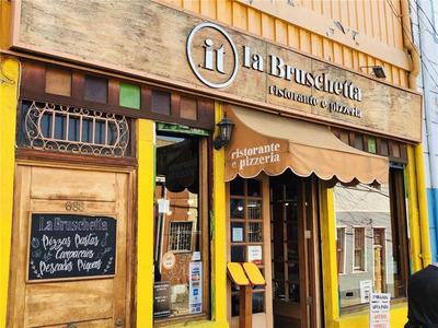 Cerro Alegre, Restaurant La Bruschetta , Urriola Con Almirante Montt