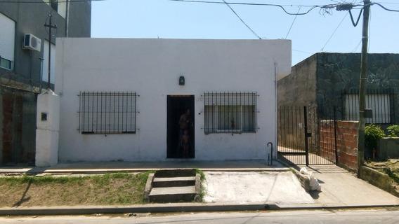 78 E/2 Y 2 Bis, La Plata - Vende Casa 3 Dormitorios