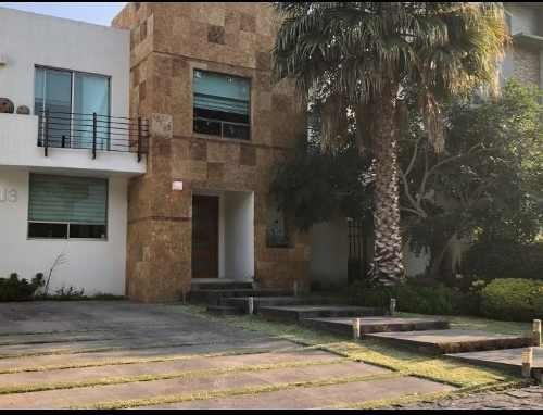 Hermosa Residencia En Venta En Arauca En Guadalajara Junto Al Tec De Monterrey