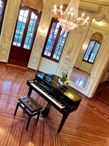 Imagem 1 de 10 de Aluguel De Piano De Cauda E Piano Digital De Cauda