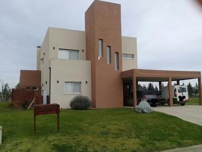 Hermosa Casa Quinta En Alquiler En Canning. Rp58