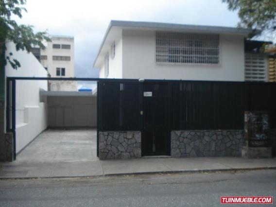 Casa En Venta Los Dos Caminos Código 19-13163 Bh