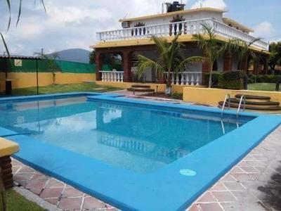 Casa Grande Con Alberca Y Jardin Morelos Caldera