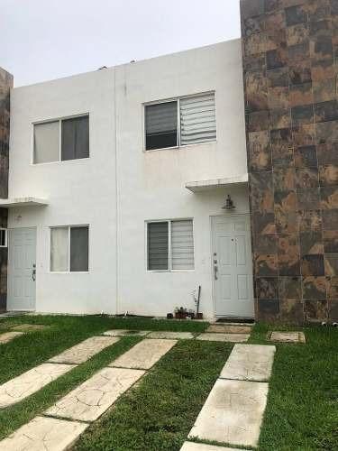 Departamento En Renta Sm 333 Mz 27 Lt 4, Calle Saval, Jardines Del Sur, Solidarida
