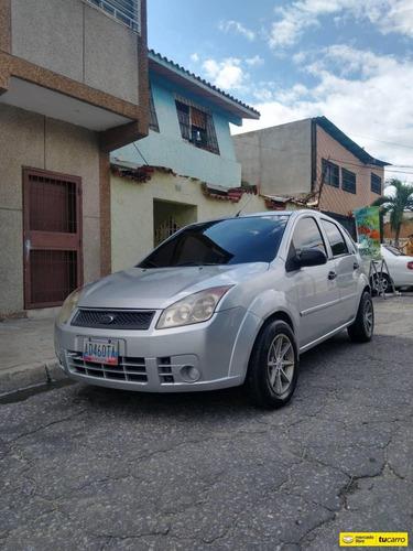 Imagen 1 de 5 de Ford Fiesta Max Automatico