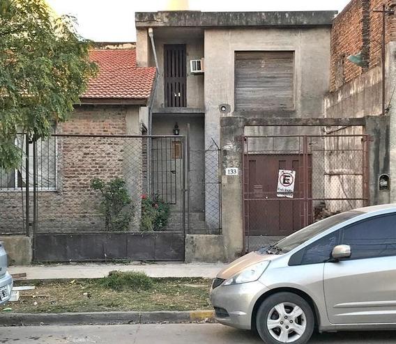 Casa En Venta 3 Dormitorios En Zarate Centro. Oportunidad Inversión A Terminar, Lista Para Habitar