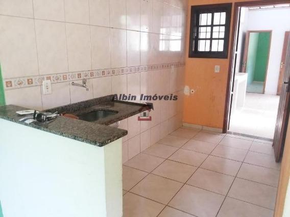 Casa Com 2 Qtos Em Itaipu - 2684a