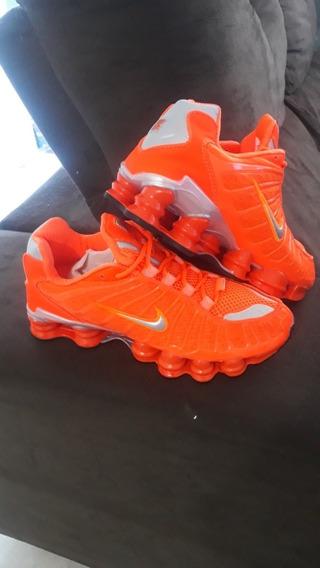 Tênis Nike Shox 12 Molas Laranja