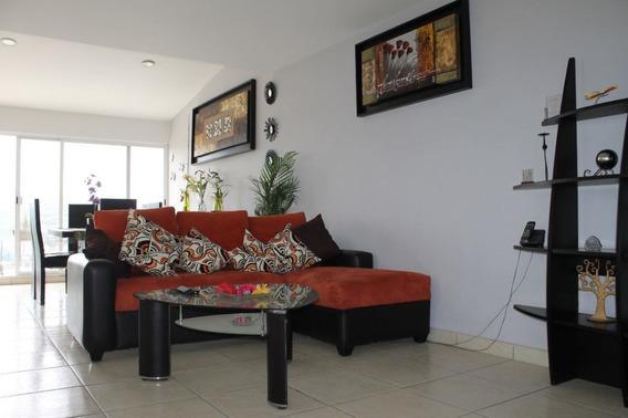 Casa Sin Muebles. Condominio En Milenio Iii. Zona Centro.