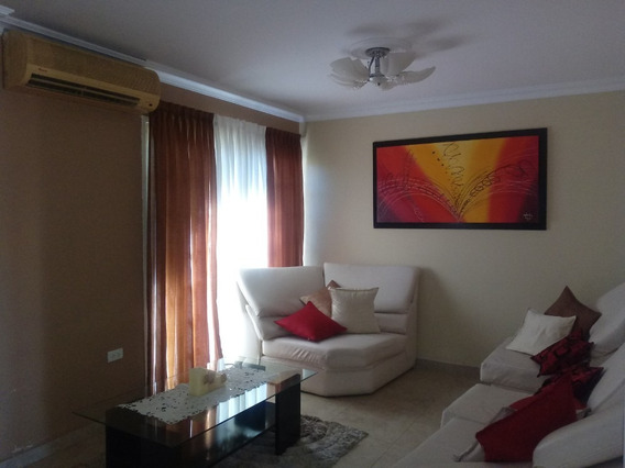 En Venta Town House; Urb. Araguama Country; Alfonso S.