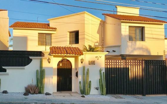 Oportunidad, Casa Con Alberca En Venta En Juriquilla