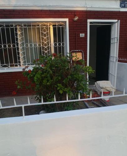 Casa C/2 Dorm, Patio, Azotea. Exc. Ubicacion.
