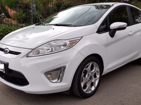 Ford Fiesta Kinetic Design Titanium 2012 Impecable.