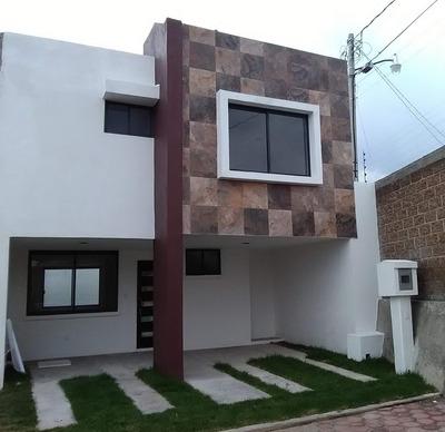 Se Renta Casa En Cholula, A 100m De Centro Comerc. Explanada