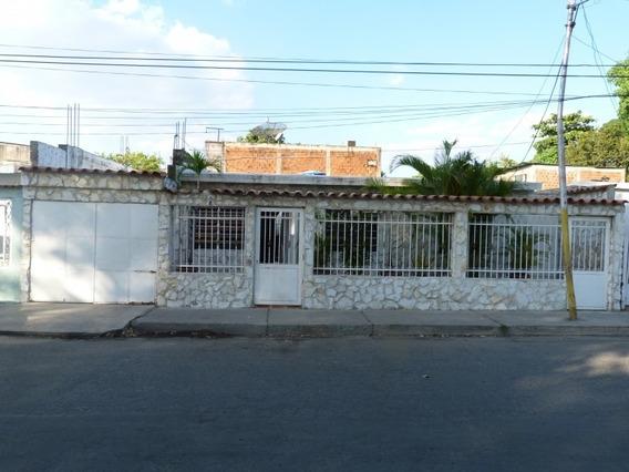 Bonita Casa En Campo Alegre Maracay