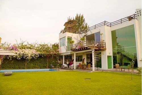 ¡residencia De Lujo En Venta Ubicada En Fracc. Las Cañadas! (ideal Para Inversión Alojamiento Boutique )