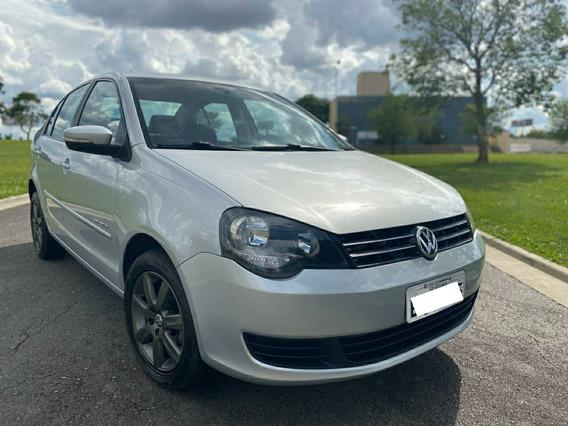 Volkswagen Polo Sedan 1.6 Vht Comfortline Total Flex 4p 2012