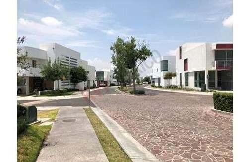 Casa En Renta, Querétaro, Hacienda Juriquilla Santa Fe, Vigilancia, Alberca $17,000.00