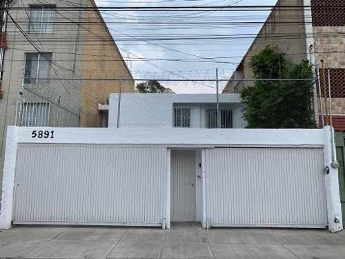 Casa Remodelada Semiamueblada Para Oficinas, Paseos Del Sos