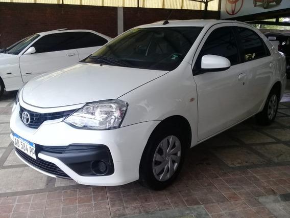 Toyota Etios Xs 1.5 6m/t