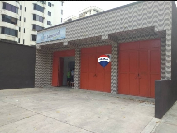 Local Comercial En Prebol Avenida Bolívar Norte. Wc