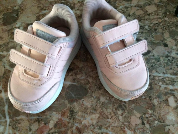 Zapatilla adidas Nena Talle 20! Muy Poco Uso!!!! Hermosas!