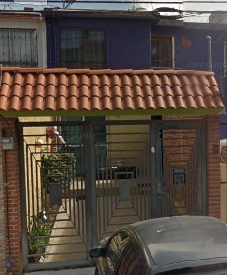 Casa En Remate Fuentes Del Valle