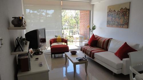Apartamento En Muy Buena Ubicacio En La Mansa , De 1 Dor Y Medio Con Linda Vista. Consulte!!!!!!-ref:1989
