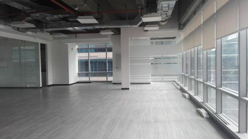 Oficina En Arriendo/venta En Bogota Santa Barbara Alta-usaquén