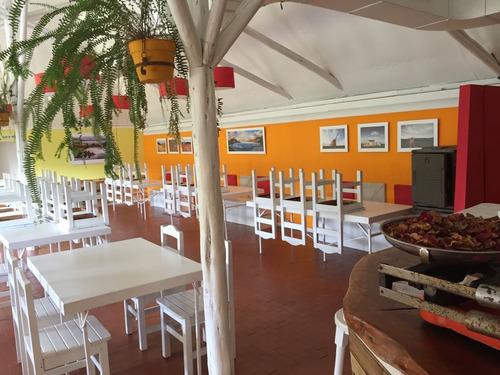 Imagen 1 de 14 de Salón De Eventos Y Departamento De Dos Cuartos En Bariloche