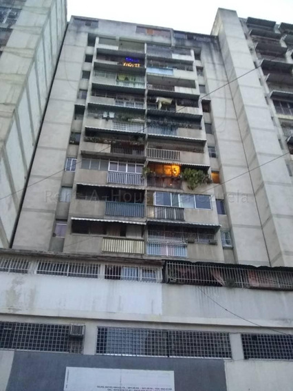 Apartamento En Venta En San Martín Rent A House Tubieninmuebles Mls 20-7203