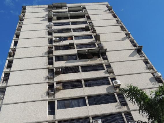 Apartamento En Alquiler San Jacinto 0412-8887550