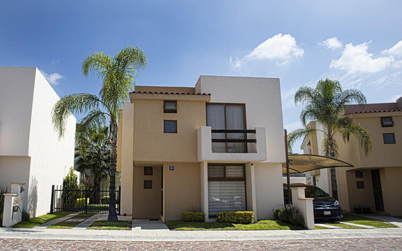 Casa En Venta En Privada Real Del Lago, Cumbres Del Lago, Juriquilla, Queretaro.