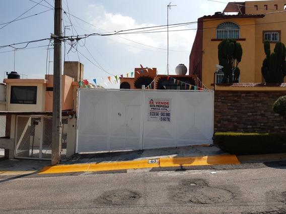 Casa De Dos Plantas Tres Recamaras Muy Cerca Del Cel