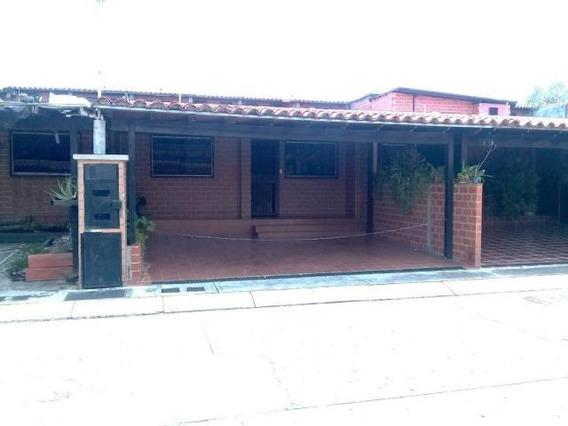 Venta De Thownhouse En Villas Del Este
