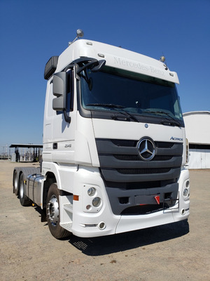 Mercedes-benz 2546 6x2 Actros Mega Space 2017 Financiamos