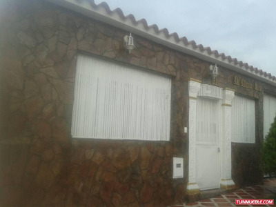 Casa En Venta En Charallave Urb Colina De Betania Cb