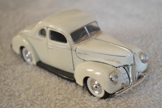 Miniatura Ford 5-window Coupe - Escala 1/34 - Sunnyside