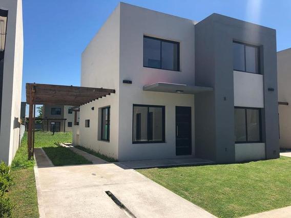 Oportunidad Casa Apta Credito - Barrio Parque Leloir