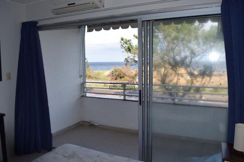 Apartamento En Mansa, Monoambiente *- Ref: 2992