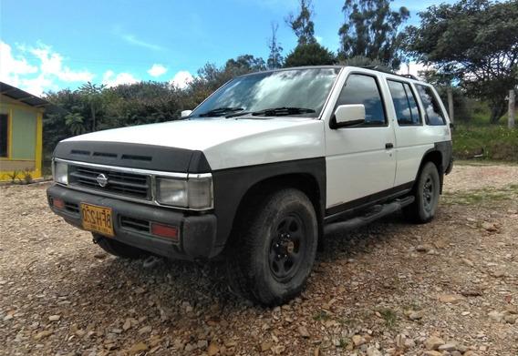 Nissan Pathfinder 1994. Tracción 4x4 Motor 2400cc