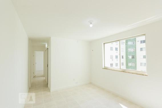 Apartamento No 8º Andar Com 2 Dormitórios E 1 Garagem - Id: 892946429 - 246429
