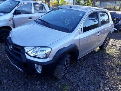 Sucata Toyota Etios Cross 1.5 Flex 2017 Rs Caí Peças