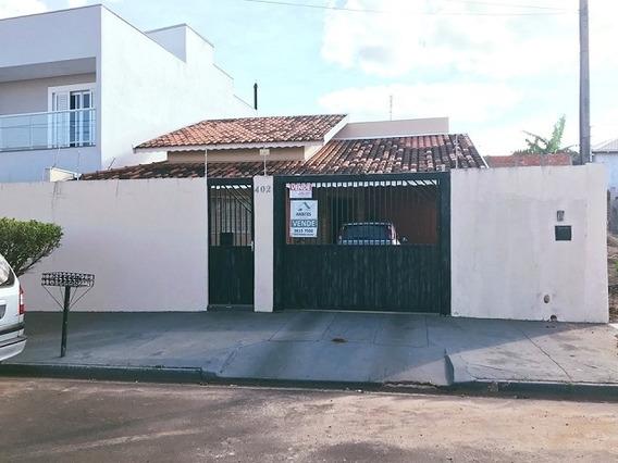 Casa Para Venda, 4 Dormitórios, Cambuí - Botucatu - 876