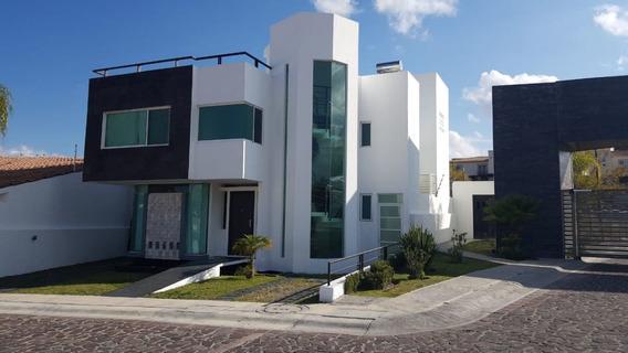 Preciosa Residencia Amueblada En Cumbres Del Lago, Jardín, Roof Garden, Equipada