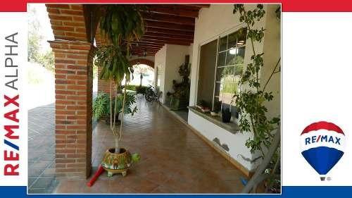 Casa En Venta Fracc. Jurica Campestre Avenida De Los Sabinos 105 Querétaro