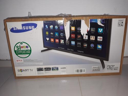 Televisor Smartv 32  Con Pantalla Partida  3 Meses De Uso