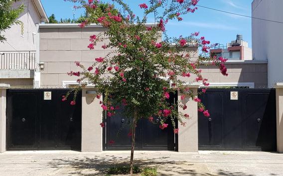 Venta Casa 3 Ambientes Castelar Vintage Fondo Cochera